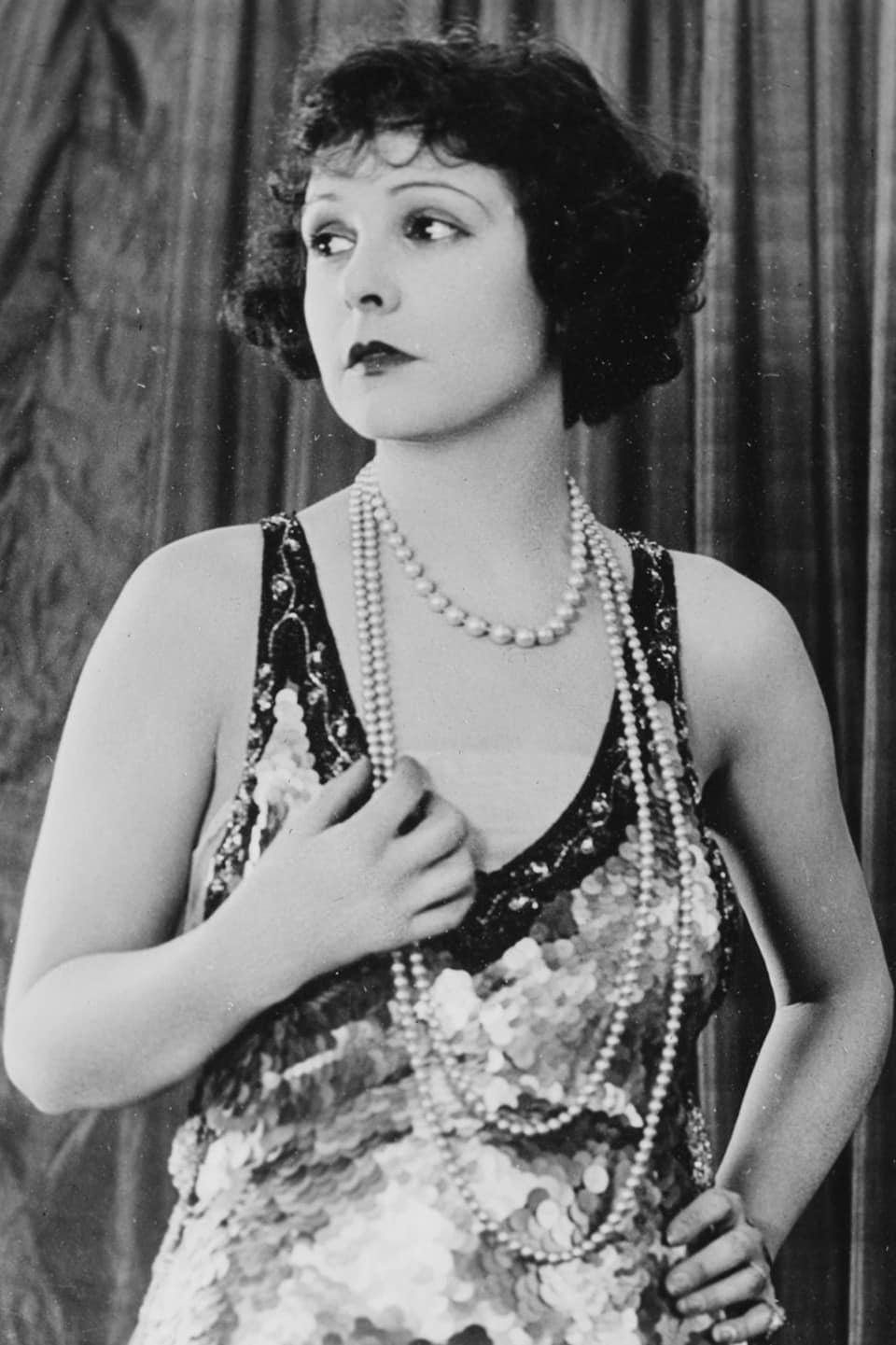 Acconciature e trucco anni '20: il look delle flappers ...
